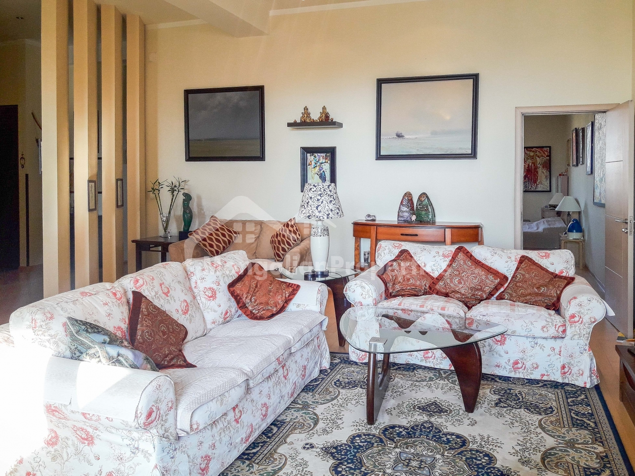 FOR SALE: Extremely high ceiling beautiful 3 bedroom apartment at regency