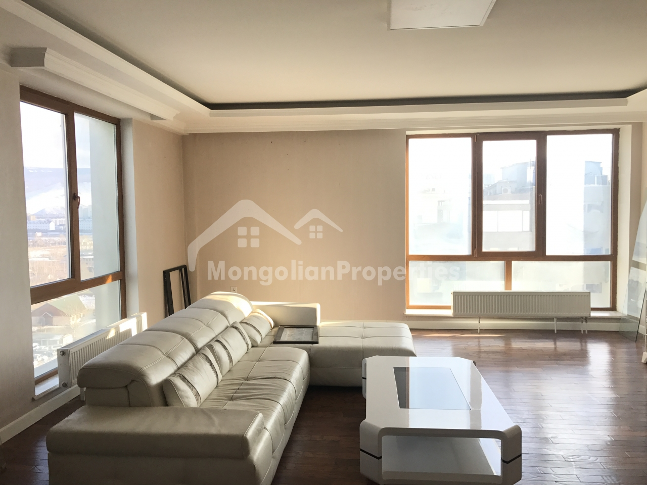 For SALE: Elit Apartments, Central, 192m2, 2 bedroom, 1 office, 2 bath apartment with 1 garage and windows facing south, east and west