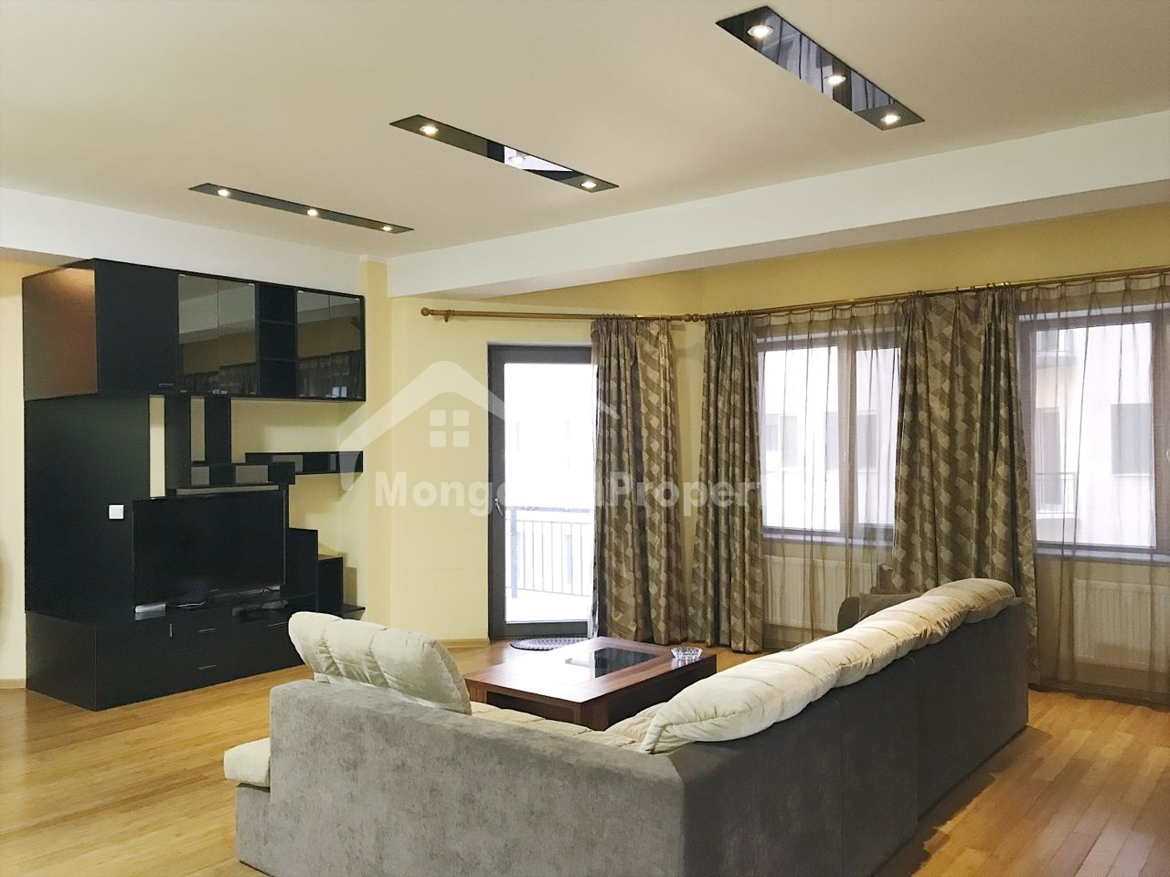 Regency Residence, Beautiful 2 bedroom apartment is for rent