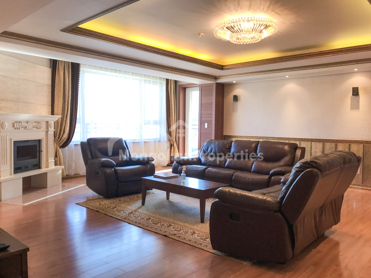 Beautiful 3 bedrooms apartment is for rent in Seoul Royal County