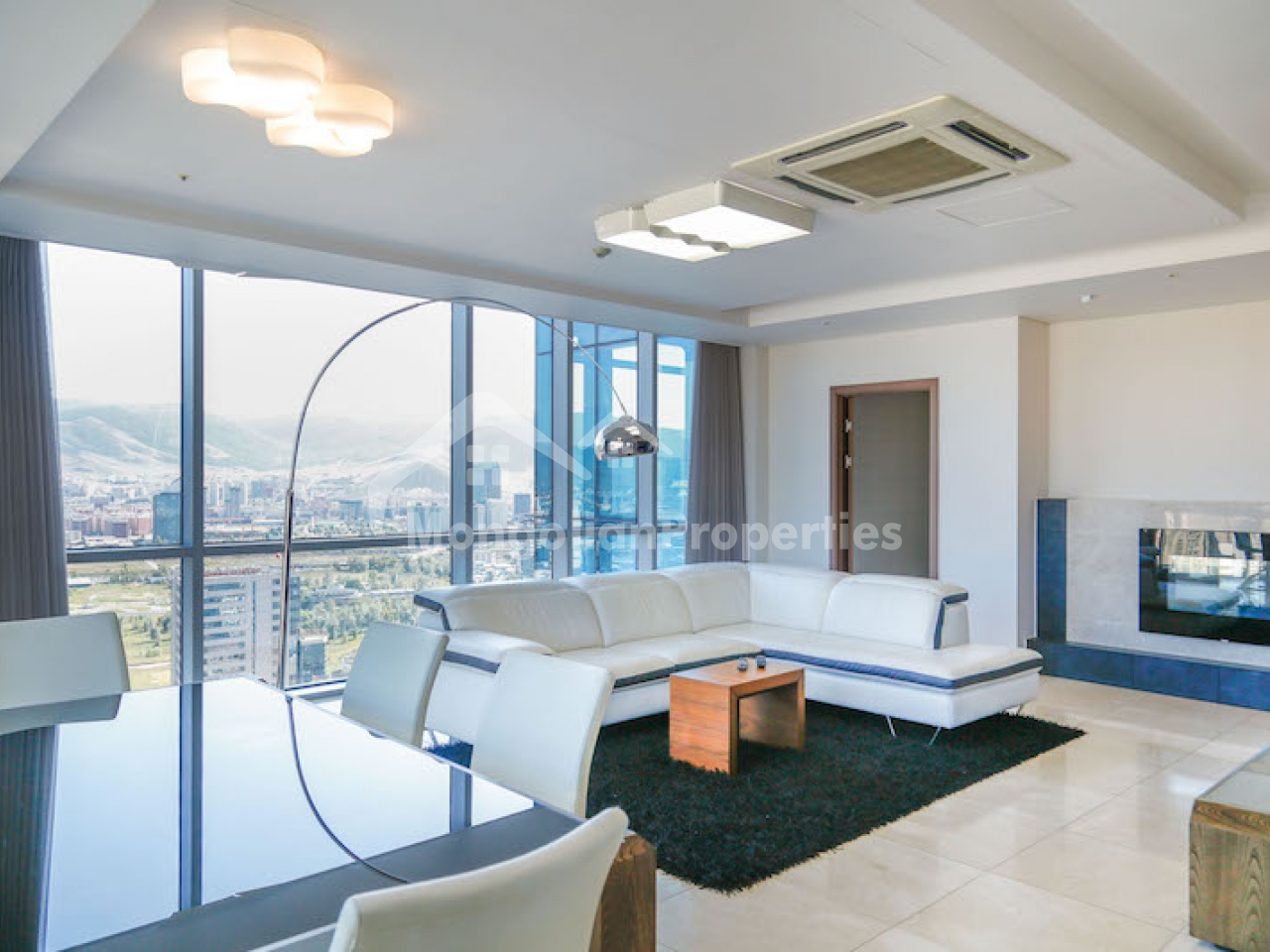 TO LET: BEAUTIFUL APARTMENT IN THE HEART OF THE CITY