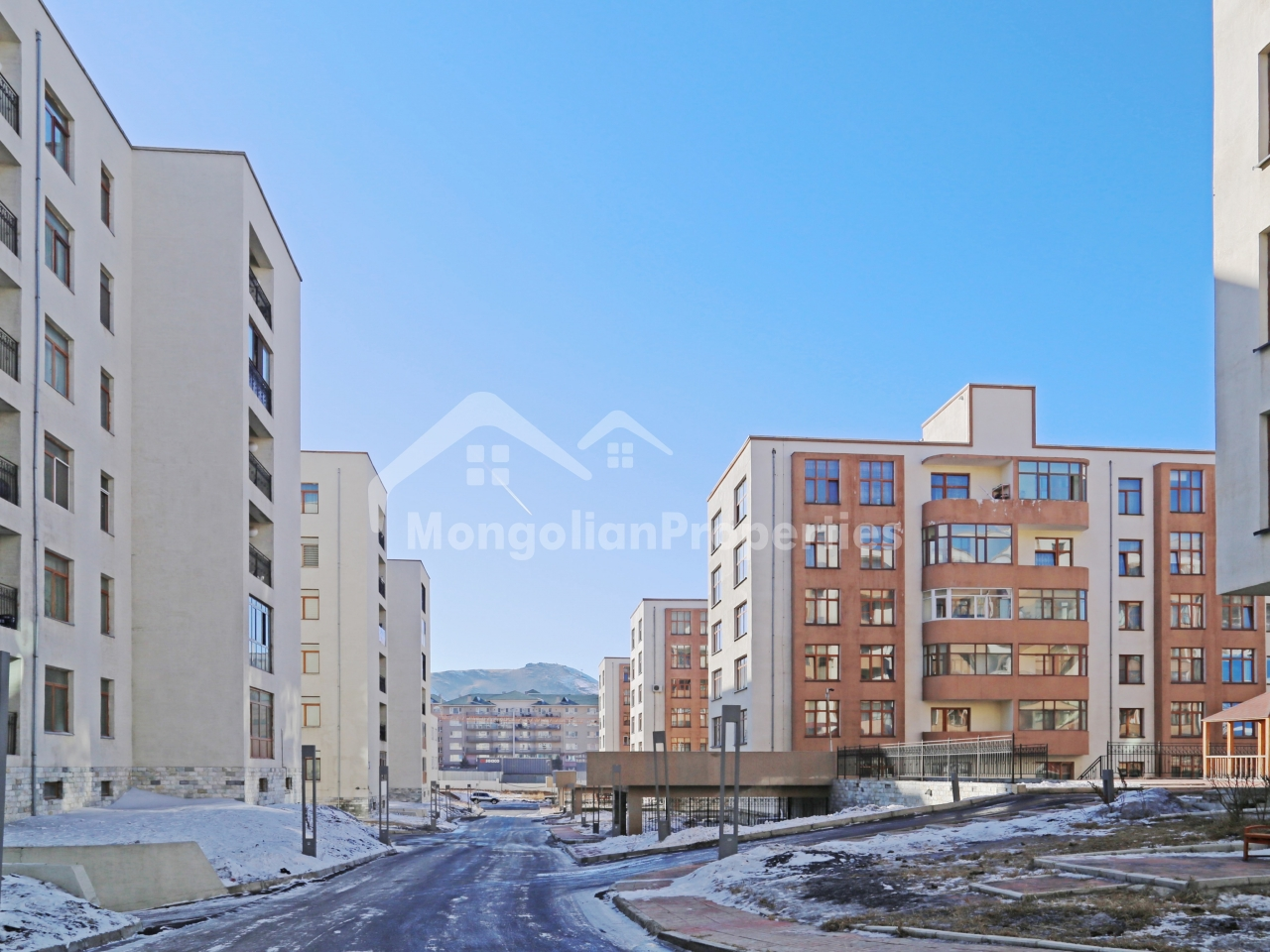 FOR SALE: Blue Sky Town in Zaisan (next to ASU), 132m2, 3bed, 2bath on the 2nd floor. Investment rental yield: 12%