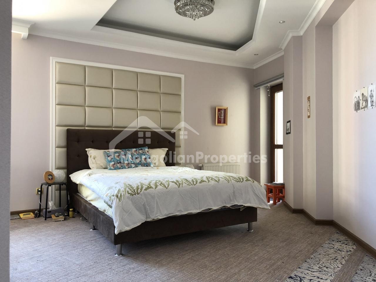 FOR RENT: BEAUTIFUL 2 BEDROOM 1 OFFICE ROOM IN RIVER GARDEN 2