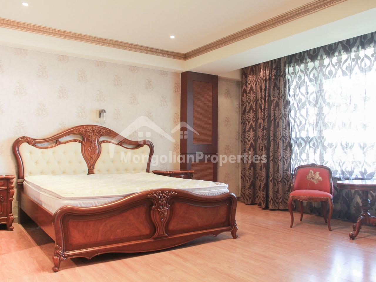 Super nice 3 bedroom 240sqm apartment for rent