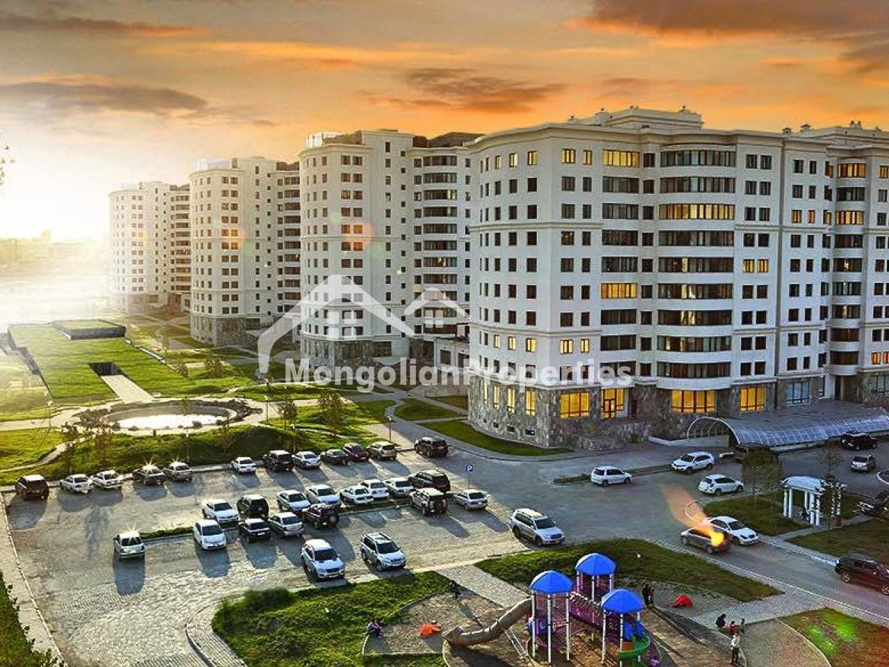 King Tower-т маш гоё зохион байгуулалттай 330 м2 бүхий 8 өрөө байр зарна