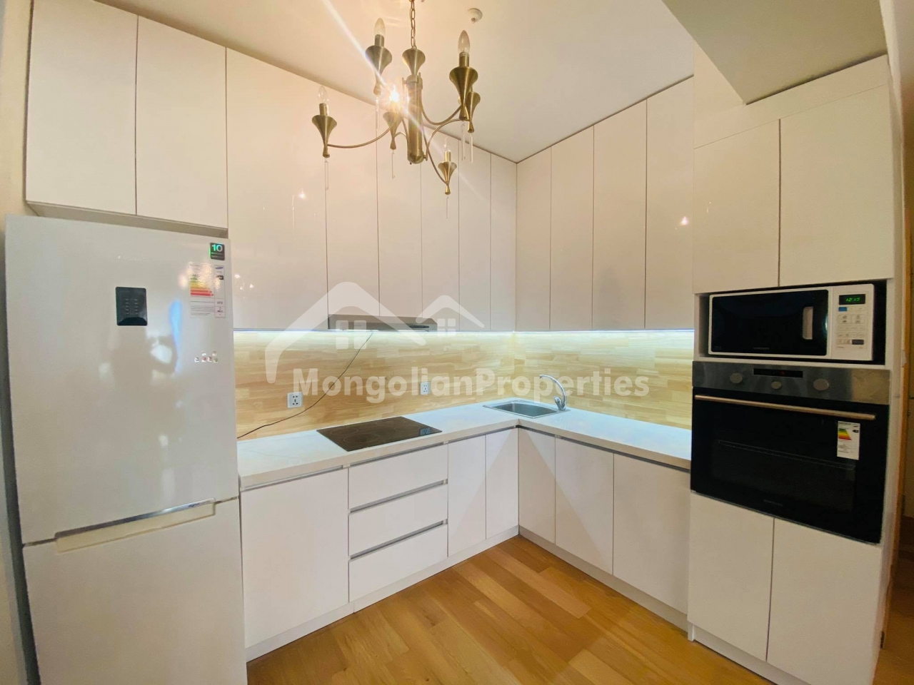 Cozy 1 bedroom apartment is for rent near Shangrila Mall at Monhouse building