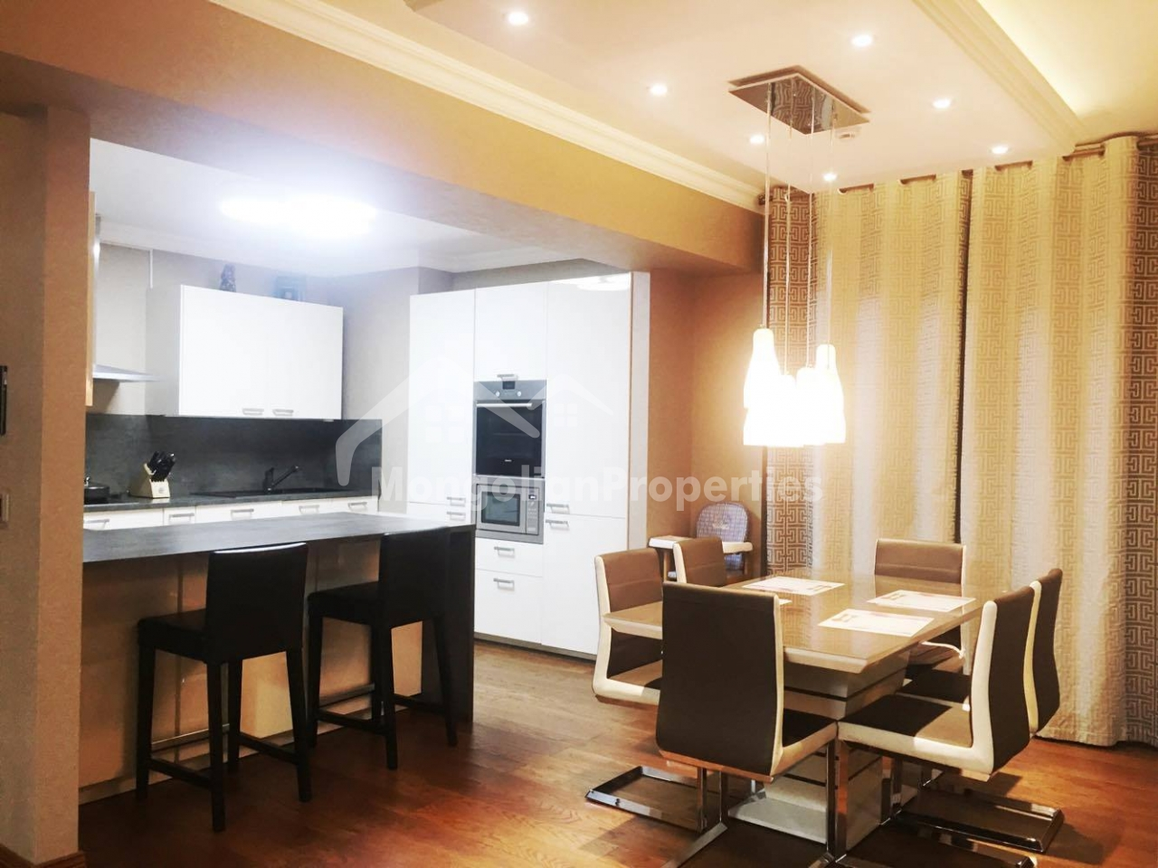 Modern, Gorgeous 3 bedroom apartment for rent in Time Square