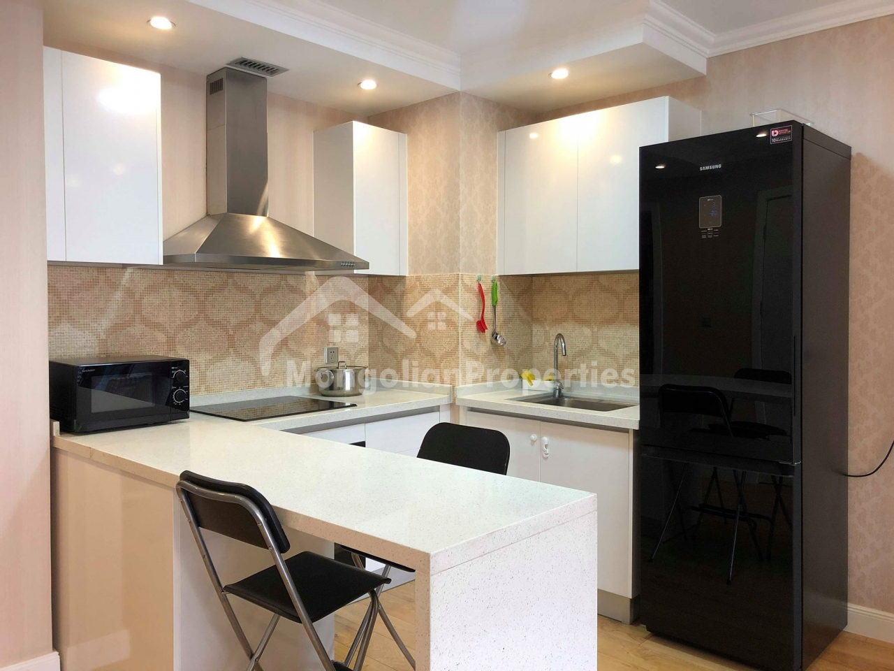 Cozy 2 bedroom apartment is for rent at Encanto tower
