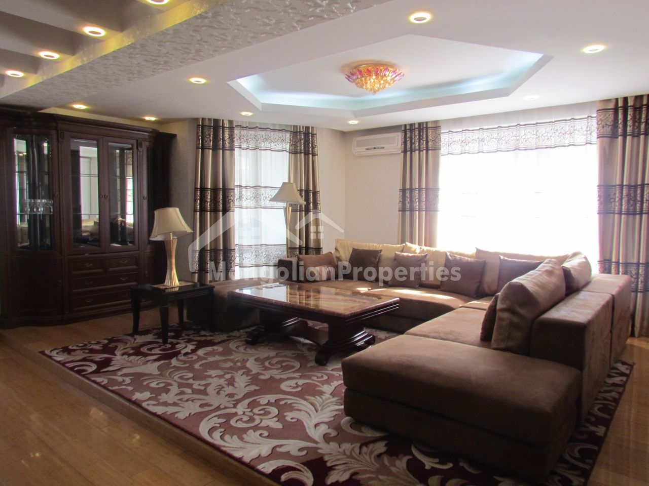 Spacious 3 bedroom apartment is for rent near Shangri -La hotel