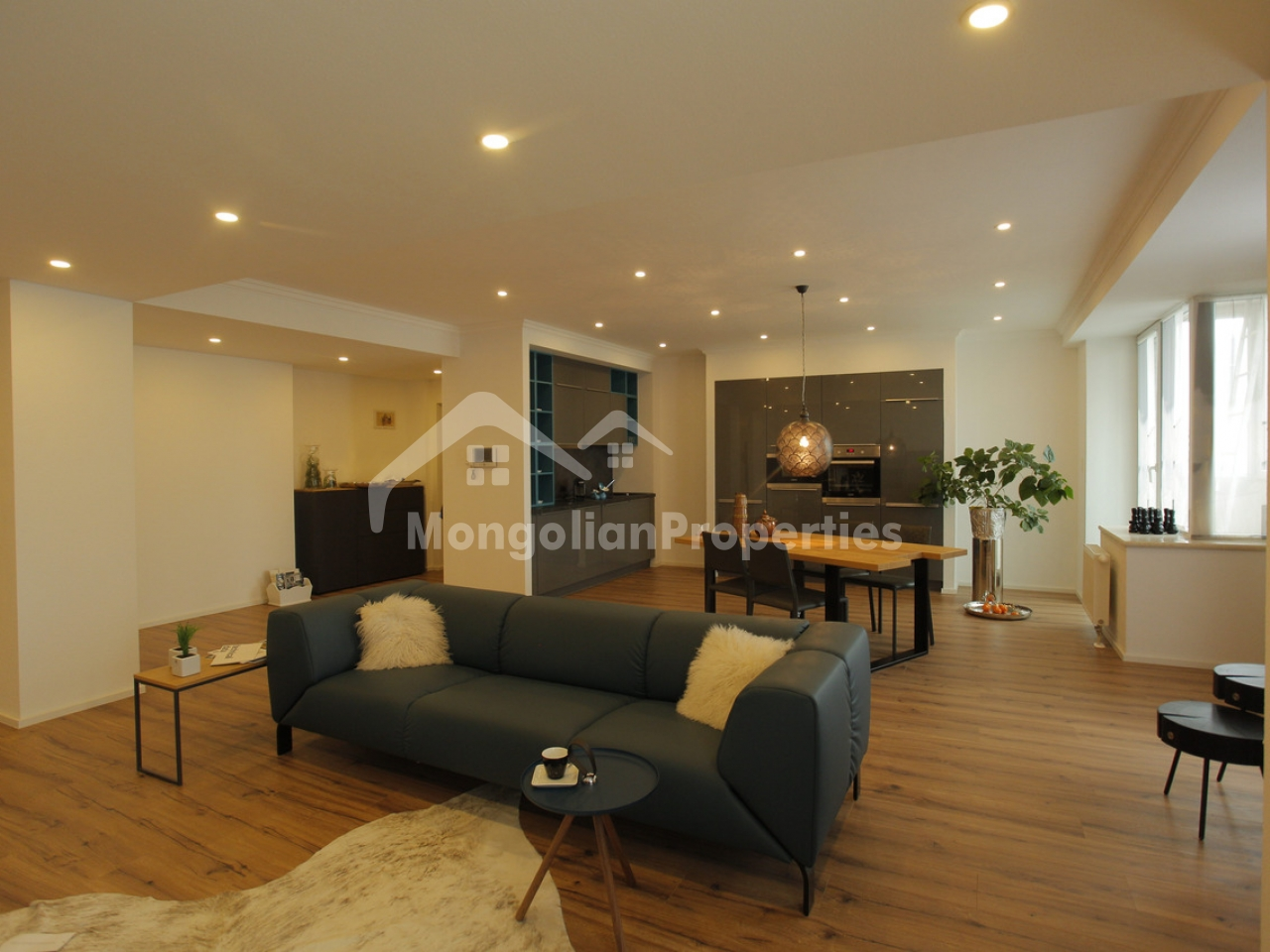 Modern, Newly Furnished 3 bedroom apartment for rent in Diplomat apartment