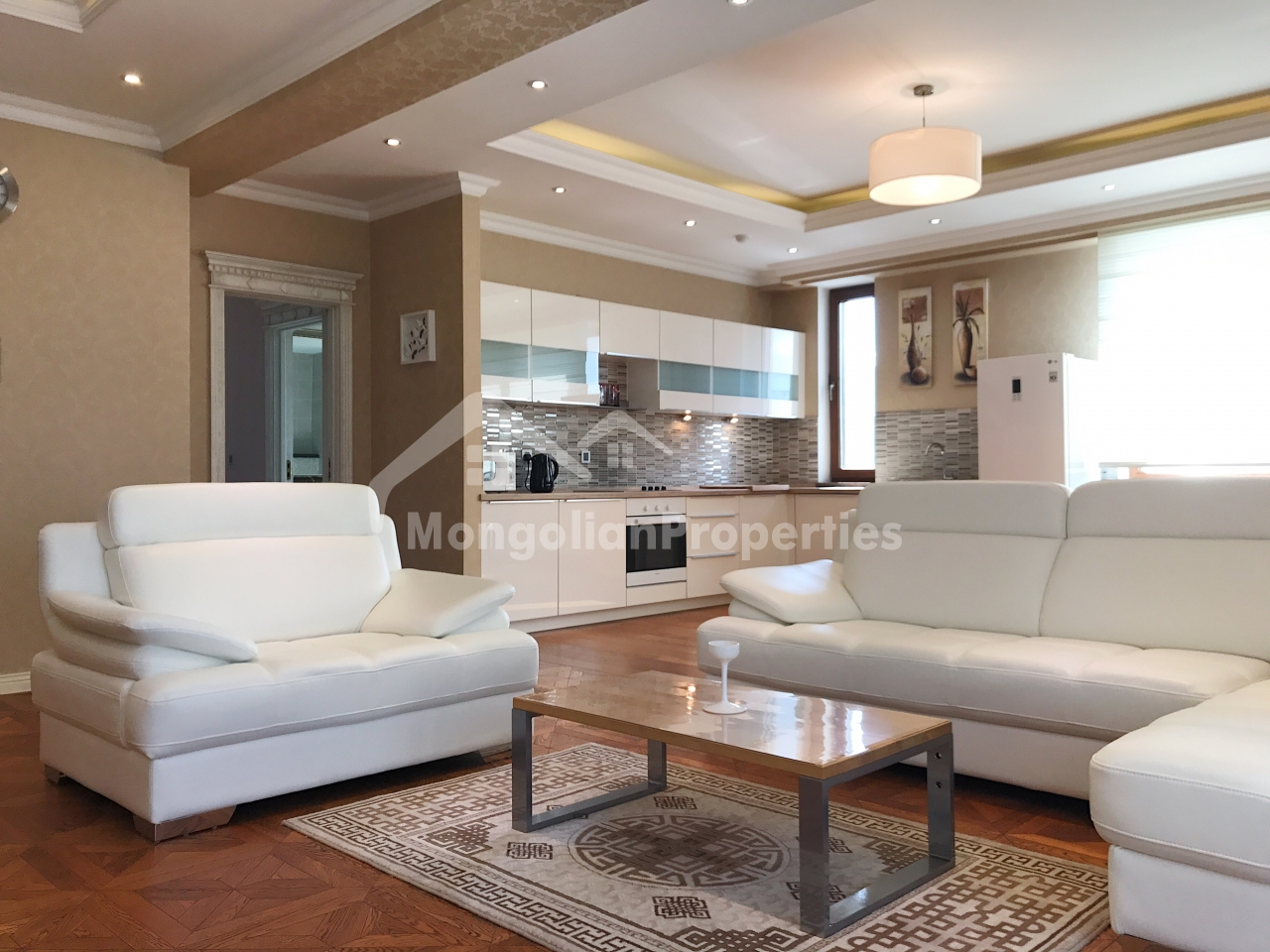 Modern, Very clean 3 bedroom apartment is for rent at River Garden