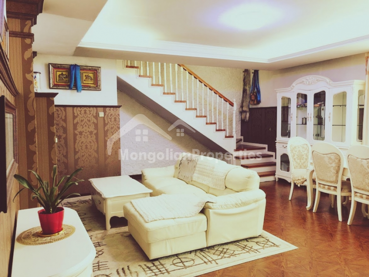 For Sale: Well-priced, 6 rooms townhouse in middle to the Chinggis Khan Hotel and Central Swimming Pool.