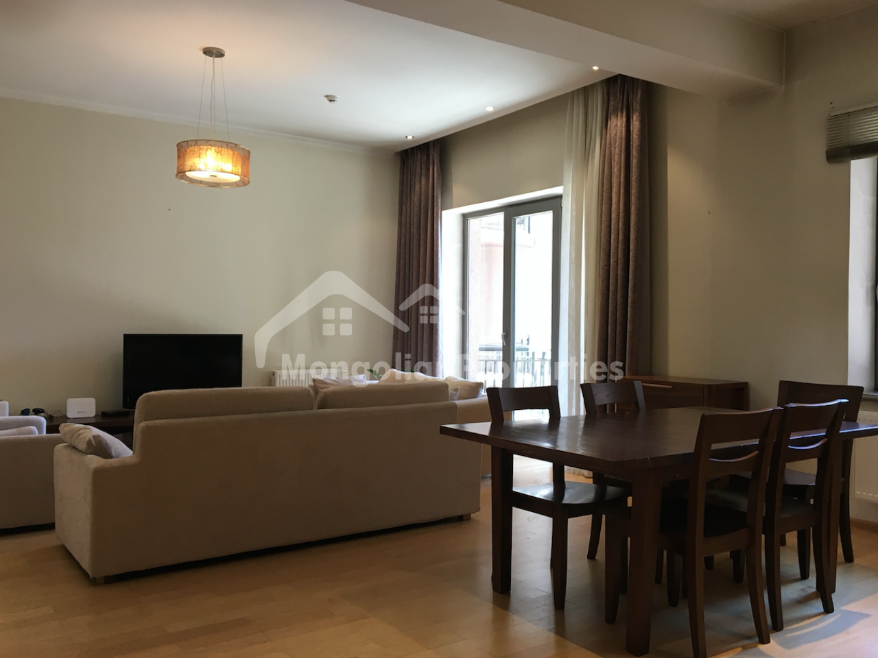 3 BEDROOMS APARTMENT FOR RENT IN REGENCY RESIDENCE, IN EMBASSY AREA